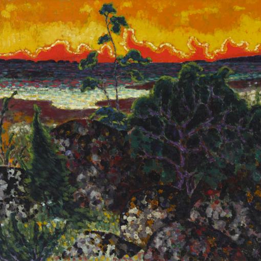 Virolaistaiteilija Konrad Mäen Maastik punase pilvega -teps, jossa edessä tummanvihertäviä kasveja ja matalaa kasvullisuutta, yläkulmassa vesiraja ja ylhäällä aivan punertava, kuin tulessa oleva taivas.
