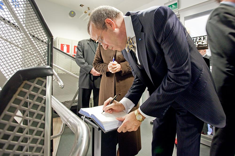 Presidentti Toomas Hendrik Ilves vierailee Eesti Majassa vuonna 2011