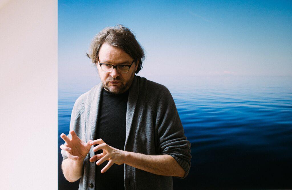 Kuvassa virolainen runoilija Jan Kaus